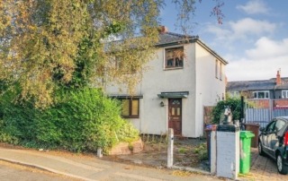 136Whitchurch 320x202 - Auction Property with Excellent Rental Return and Flip Potential